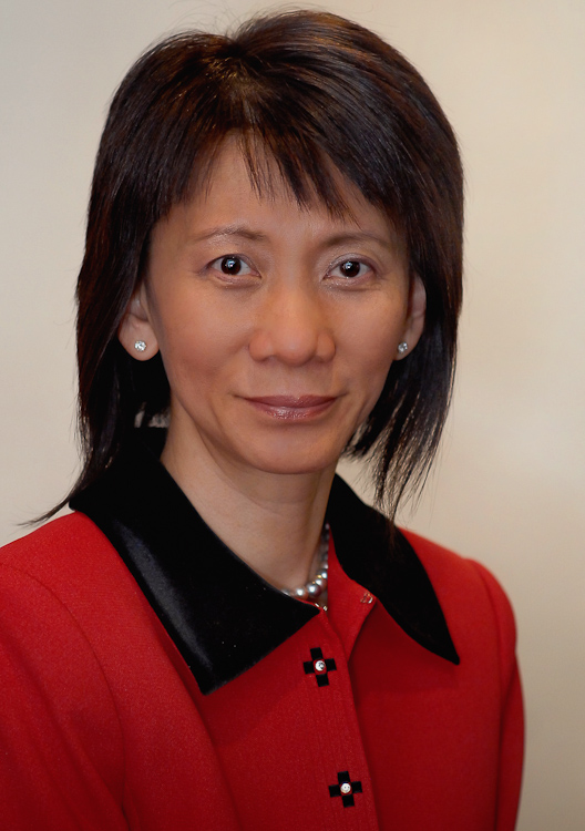 Dr Esther Fu